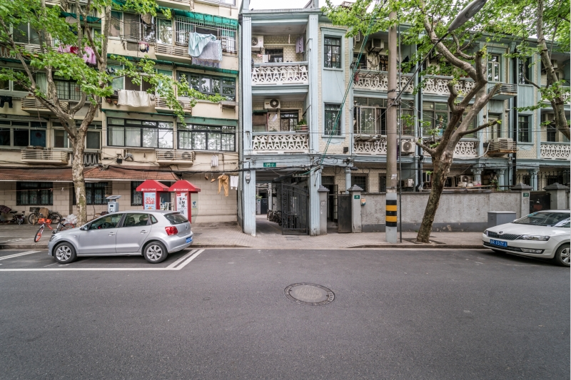 Lane House on Xiangshan Rd with Private Yard