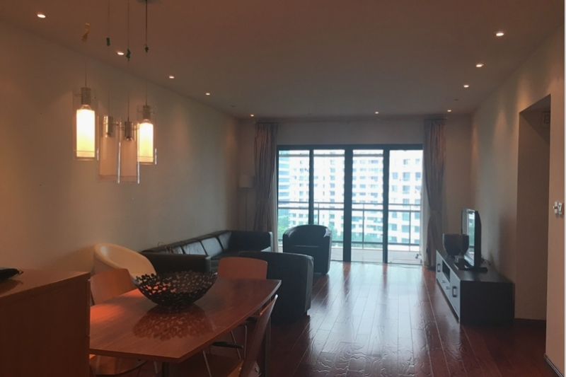 Rm 31-1102 Yanlord Garden Three Bedroom + Study Apartment