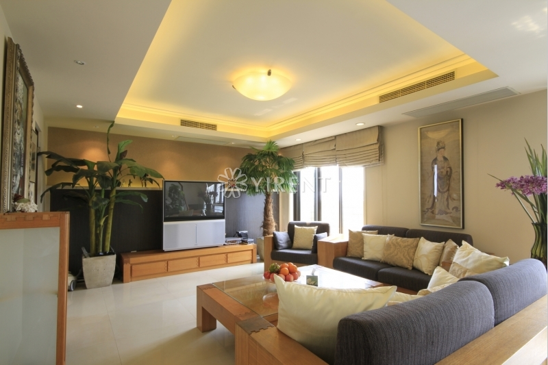 Penthouse in Hongqiao Riverside Garden for rent with Roof Terrace