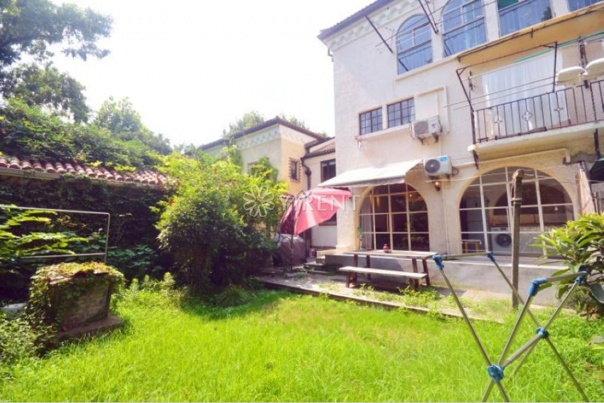 Newly Renovated Lane House on Taiyuan Rd with Private Garden